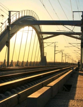 建设中的京沈高铁乐天堂fun88备用网址段美图一组,向高铁建